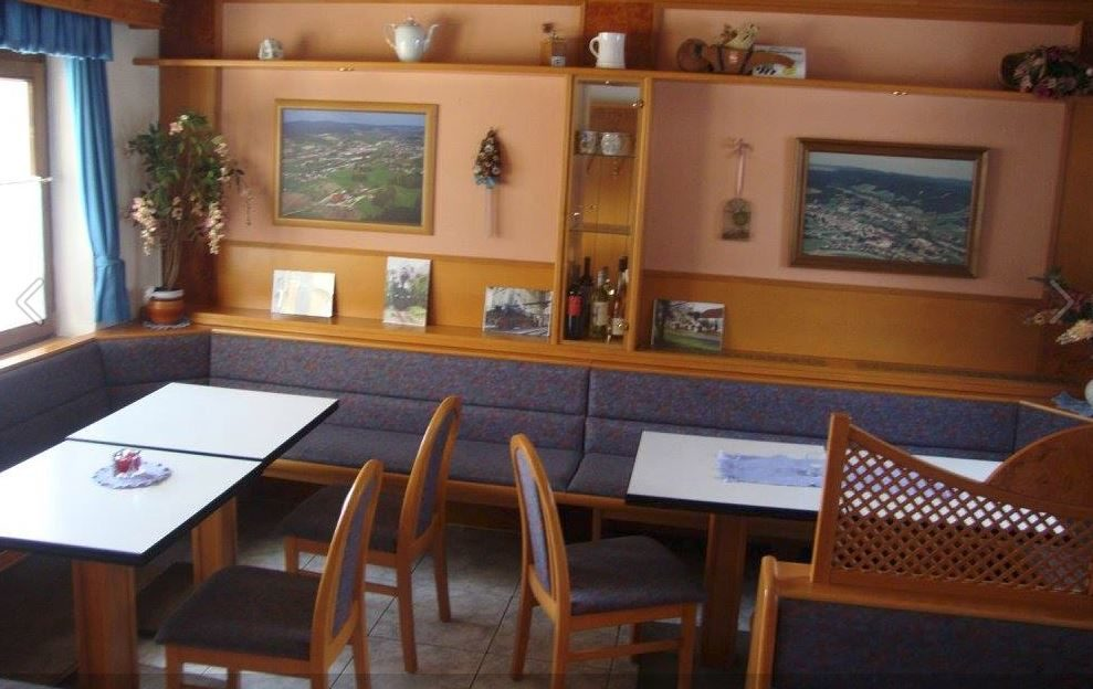 Cafe Innen